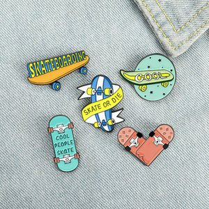 Skate o Die Smalto Pin Custom Fun Sports Sport Love Pattinaggio Spille Borsa Borsa Risvolto Pin Badge Badge Gioielli regalo per bambini amici 0107.