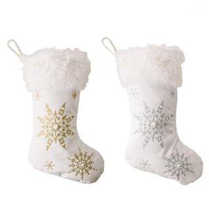 BMBY-2 Pieza Conjunto de copos de nieve Medias de Navidad Bolsa de caramelo Regalos de Navidad Calcetines Árbol de Navidad Ejecución Ornamento Decoración1