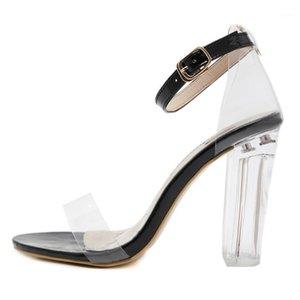 Vogue Donne Summer Casual Crystal Transparent Fibbia Fashion Tacco alto Scarpe Sexy Lady Fibbia PRINCESS Sandali all'esterno del 211 maggio