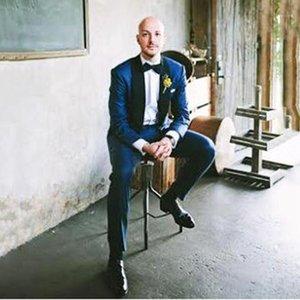 2020 Жених темно-синий синий смокинг свадебный жених костюмы шаль-лацкан одной кнопки два кусочка мужской костюм (куртка + брюки) Terno Masculino1