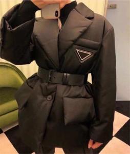 Jacket Womens casaco de inverno Estilo Moda Com baixo Parkas longo Betl espartilho Senhora Magro Moda Casacos bolso estandardizadas casacos quentes