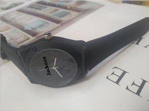 Klassisches Silikon Rot Rosa Schwarze Männer Frauen Uhren Liebhaber Mode Einfache Herren Womens Uhren Uhr Uhr Saat Relogio Reloj
