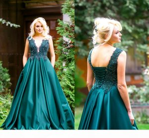 Drak Green Lace Appliqued A-line Prom Dress Vintage Deep V Neck Satin Evening Dresses Long Fornal Party Backless Gowns V59