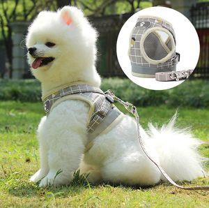 Sıcak Satış Moda Pet Göğüs Kayışı Yansıtıcı Nefes Kayış Pet Malzemeleri Toptan Yelek Tipi Kedi Köpek Çekiş Halat