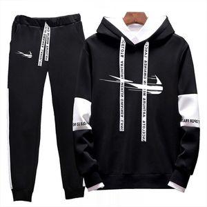Homens Casual 2020 Primavera e Outono Homens Fitness Running Terno Hoodie + Calças Conjunto de 2 peças Sportswear Jogging Ternits