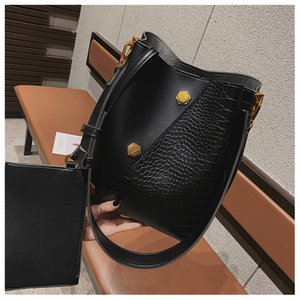 Womens Deisgner Handbag Simple Ladys Bag New Fashion Women Simple Large Capacity BucketBag Shoulder Messenger Bag Luxry Brand Hot Selling