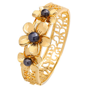 Women Bracelets of Heirloom Gold Plated Engagement Jewelry Bangles Plumeria Flower Hawaiian Bracelets Wholesale For Women Wedding