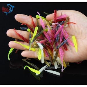 200 adet 4 cm / 0.3g Bas Balıkçılık Solucanlar 10 Renkler Silikon Yumuşak Plastik Balıkçılık Lures Yapay Yem Kauçuk Içinde Jig Kafa Kanca Kullanımı