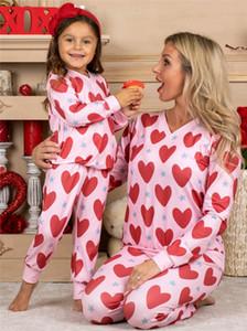 2021 Día de San Valentín Corazón Impreso Padre-Niño Pijamas Traje Traje de manga larga Tops + Pantalones sueltos Conjuntos Mamá Pijamas Paño para el hogar G10801