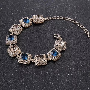 2021 Flower modelling Super Shining Diamond Retro Bracelet Female Fashion Crystal Bracelet Atmospheric Bracelet Wholesale party gift