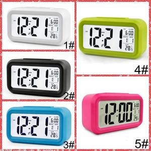 음소거 알람 시계 플라스틱 LCD 스마트 시계 온도 귀여운 감광 침대 옆 디지털 알람 시계 스누즈 야간 달빛 일정 IIA855