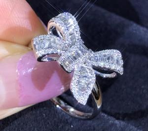 여성 선물을위한 CZ 다이아몬드 스톤 웨딩 빛나는 크리스탈 럭셔리 링을위한 패션 사랑스러운 활 디자인 반지