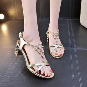 Summe Ladies Crysta Sandals Mulheres Praça Salto sapatos femininos Moda Sólidos da bracelete Feminino de dedo aberto Singbacks Calçado