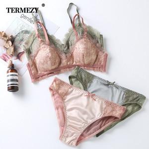 TERMEZY Nouveau Femmes Sous-vêtements fil satin gratuit culottes et dentelle sexy Soutien-gorge Ensemble creux Lingerie Femmes Brassiere cil Bralette LJ201026