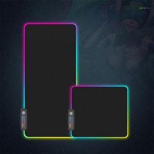 Disponibles Venta caliente LED LED Teclados adicionales Pad Large Soft Gaming Mouse Pad RGB Light Superized Brillo 7 colores Pads para PC / Laptop1