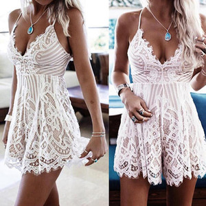 Verano 2021 Mujeres Sexy Hollow Out Sling Pumpsuits Moda Profundo Cuello en V Blanco Lace Pumpsuits Sexy Backless Beach Playsuits