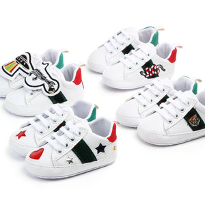 Zapatos de bebé Newborn Boys Girls Heart Star First Walkers Cuna Zapatos Niños Lace Up Pu Sneakers Prewalker Sneakers