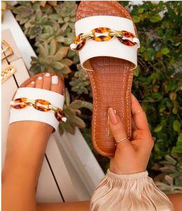 008v летние тапочки женщин дизайнер короткие модные мосты обувь металлическая цепь женские повседневные мулы моды квартиры высшего качества