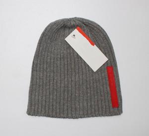 Nouveau chapeau de concepteur de vêtements pour hommes de la mode française, les hommes de tricot de la marque d'hiver et les femmes bonnet tricoté