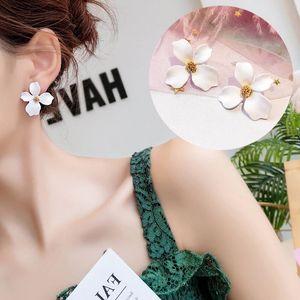 2020 New Design Spray Paint Cute Flower Stud Earrings For Women Korean Fashion Summer Jewelry Accessories Elegant Sweet Brincos