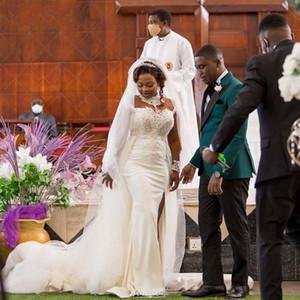 Unique Designer Lace Wedding Dresses Plus Size Long Sleeves Overskirt Mermaid Bridal Gowns Side Slit Lace Marriage Gowns robes de mariée