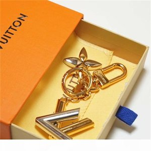 2020 Luxury 1keychain designer unisex key chain real leather with stainless steel keychain keyring in Golden with brown with box