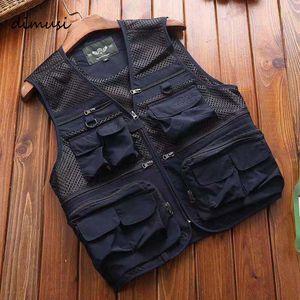 Мужские жилеты Повседневная сетка Дышащий Multi Pocket Жилет Куртки Без Рукавов Человек Управлять Рыбалка Жистые Одежда Марка Одежда 6xL