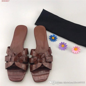 Ladies new cross leather slippers, comfortable and stylish beach pool slide flat sandals slipper With complete packaging