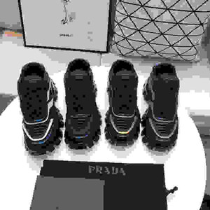 Prada 2020TOP нового Мужчины замша Мокасины Мужских Повседневной Вышивки мокасины обуви Люди Слип-On Party Driving Квартира wlxy200501