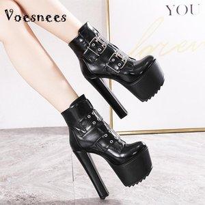 Voesnees Bottes courtes Femmes Chaussures 2021 Européenne et Américaine Nouvelle Mode Bottes romaines Couchées Talons hauts épais plus Taille34-40