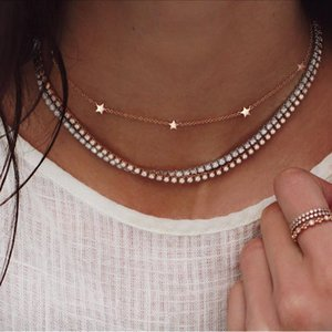 Kadınlar Moda Takı için ALYXUY Trendy Altın Renk gerdanlık kolye Kısa Katmanlı Kristal Yıldız kolye Zincir kolye