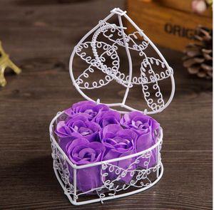 Pétalo de la flor de jabón de rosa con la cesta de hierro en forma de corazón de la forma de las rosas de la flor de la flor de la caja de regalo de la boda del cumpleaños de la boda Día de las madres regalo GGE3892