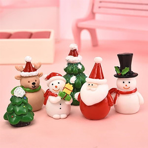 1-7pcs set Miniature Christmas Tree Santa Claus Snowmen Terrarium Accessories Gift Box Fairy Garden Figurines Doll House Decor Y201020