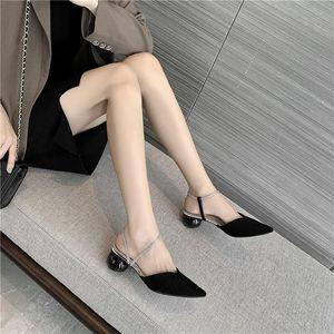 WEIBATE Pointed-toe sandálias Mulheres 2020 Verão New Non-toe Rhinestone de salto baixo Cristal Mid-salto alto Salto Rodada Ladies mulas