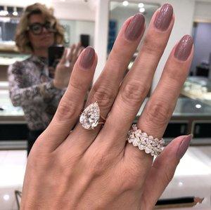 Прекрасные ювелирные изделия 3 стиль 925 стерлингового серебра Pave Oval Cut Simulated Diamond Wedding Weadement Cocktail Женщины Gemstone Band кольца оптом