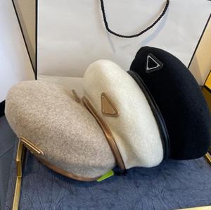 Дизайнер Beret Женская буква роскошный галстук кашемира кашемировой шляпы Берета кепка леди открытый путешествия теплые зимние ветрозащитные каникулы капоты