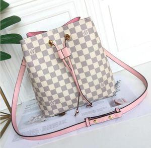 M44022 Trendy Bucket Bag 2020 Spring Summer Shoulder Handles Shoulder Bags Totes Cross Body Bag Clutches Evening