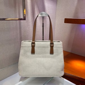 Classic lady's handbag 7A high-end custom quality shopping bag fashion trend business casual style metal accessories