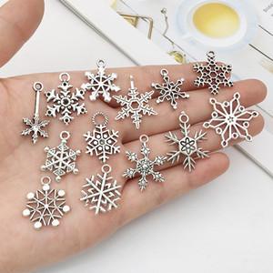 Misti di fascini di Natale fiocco di neve misura pendenti per i monili del braccialetto della collana di creazione di gioielli fai da te fatti d'argento antico Accessori