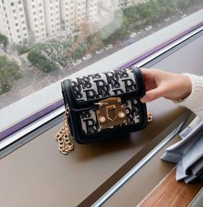 Mode Neue Mädchen Brief Gedruckt Einzelner Umhängetasche Kinder Square Designer Kette Messenger Bag Frauen Mini Geldbörse A4607