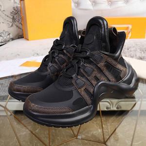 Nouveaux SS18 Casual Shoes Hommes Femmes Designer Sneakers En Cuir Cuir Roué en peau de mouton Arena Stylish Chaussures Confortable Formateurs de plateforme polyvalente