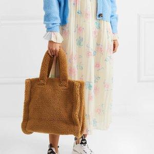 عارضة امبسوول النساء كبيرة مستحضرات تجميل مصمم حقائب اليد الفاخرة فو الفراء الكتف حقيبة السيدات كبير الدلاء قدرة المحافظ الشتاء 2020 C1016
