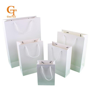 Blank gift packaging bags with handle, white black Kraft brown paper shopping packing bags for gift or wedding favor