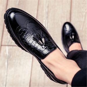 Top qualité de Chaussures pour homme en cuir PU Vintage affaires Oxfords plat souple Bas Chaussures Homme Rouge Printemps Mode grande taille Chaussures pour hommes