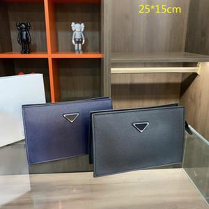 2021 Fahion Brand Mens Monederos Largos Bolsos Nuevos Bolsos Menores de lujo Carteras de cuero Bolsas de embrague Bolsas de lavado Color sólido con caja PD21010401