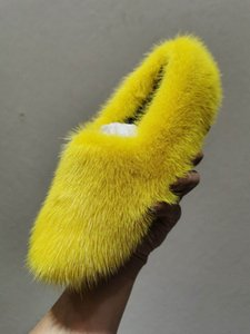 A trendsetter in the fashion world All imported whole mink hair Intradermal lining All the colors