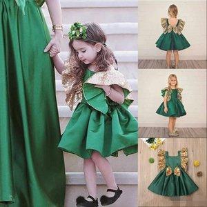 Симпатичные темно-зеленый девушок цветка Блестящих Блесток оборок Принцесса линия атлас Ruched Луки Короткой маленькие девочки Pageant партия мантии P16