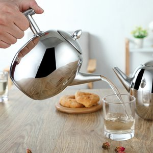 The portable teapot is designed with 1.5 L stainless steel water filter