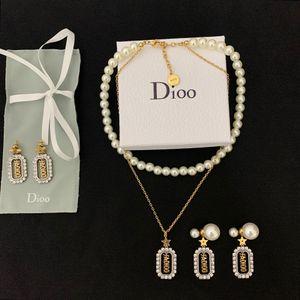 2020 CD Nuovo Designer femminile di lusso Diamond-con bordi con bordi con bordi di clover perla Bracciale Bracciale 925 Argento Ago Orecchini per perle Due toni