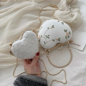 New Cute Love Crossbody Lace Embroidery Heart Shape Shoulder Bag Lover Female Bag Versatile Funny Bolsa Feminina